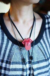 lip_neck1_blog